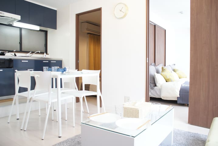 心斎橋中心位置 ベッド3台、8人宿泊可能