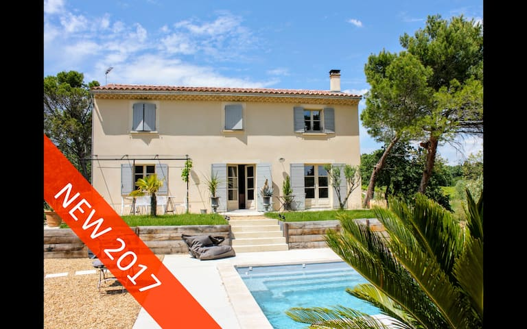 VACQUEYRAS in Provence, Winemaker House and Pool