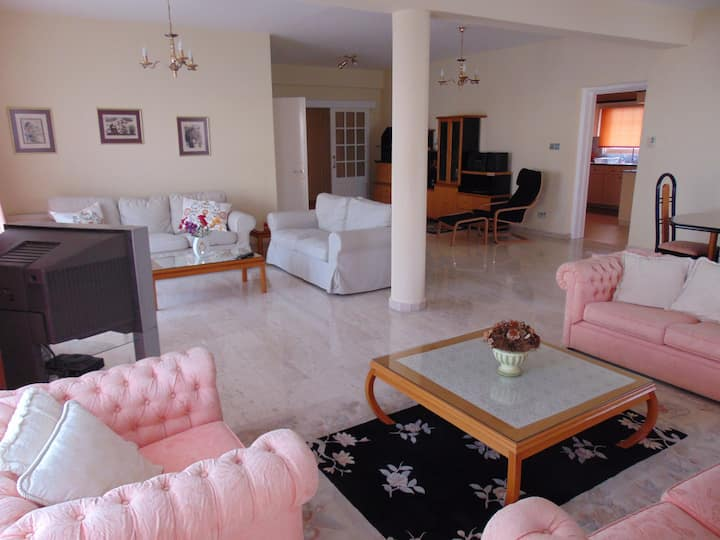 Deluxe Nicosia Apartment - Spacious&Fully Equipped