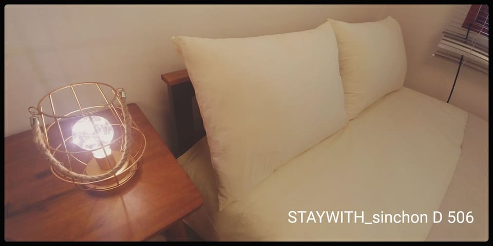 STAYWITH_sinchon Double room 506