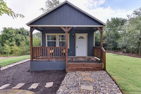 "Owls nest ""tiny home"" living in Lockhart"