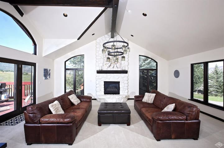 Vail Valley Mountain Luxe Home! Fantastic Views