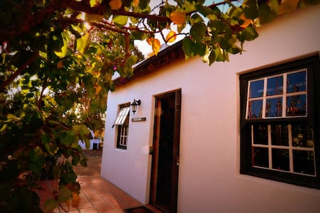 Orchard Cottage - McGregor - Huis