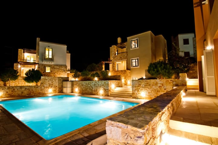-20% early book SIROS Splendid Villa POOL & VIEW - Finikas - Selveierleilighet