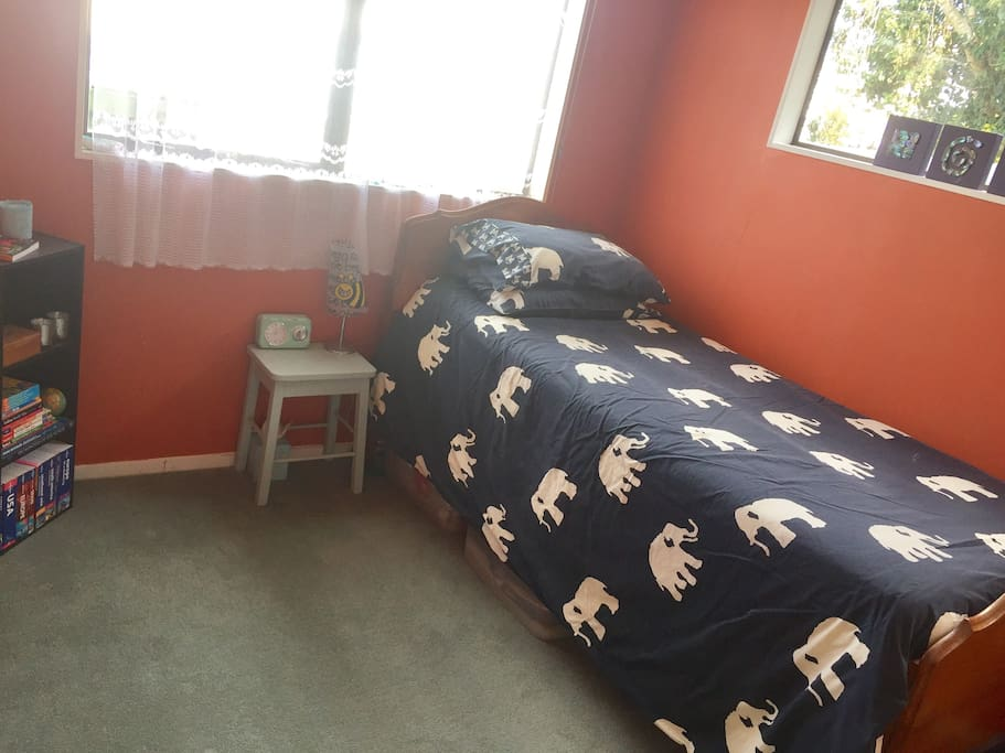 Single room for guests.