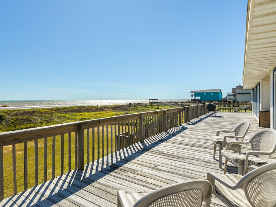 Welcome to Surfside Beach! Large private deck with views across the glittering Gulf of Mexico.