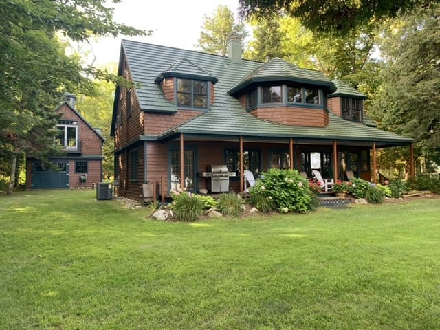 Stoney Pointe Cottage on Torch Lake!