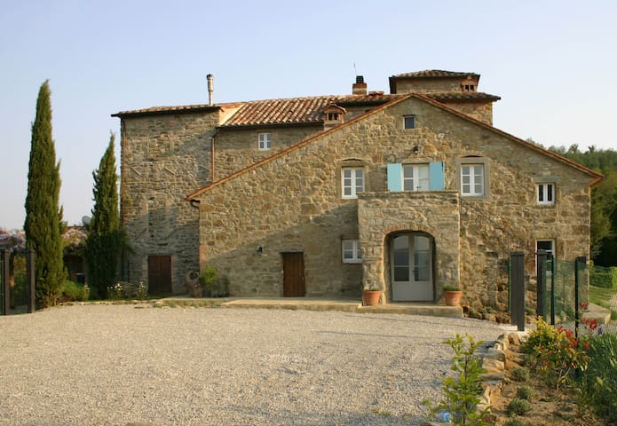 Villa with pool and amazing views - Cortona