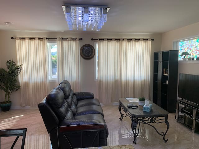 Comfortable brand new large living room accommodate to 6 people.
