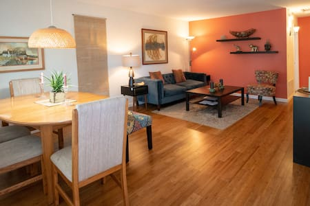 Redwood Pl Apt 3 in the heart of silicon valley