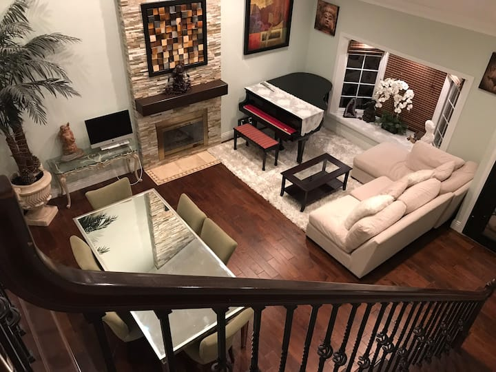 Clean and beautiful house in Fountain Valley