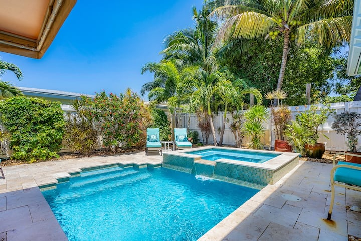 Heated Saltwater Pool/HTUB/min to beach-REME HALO
