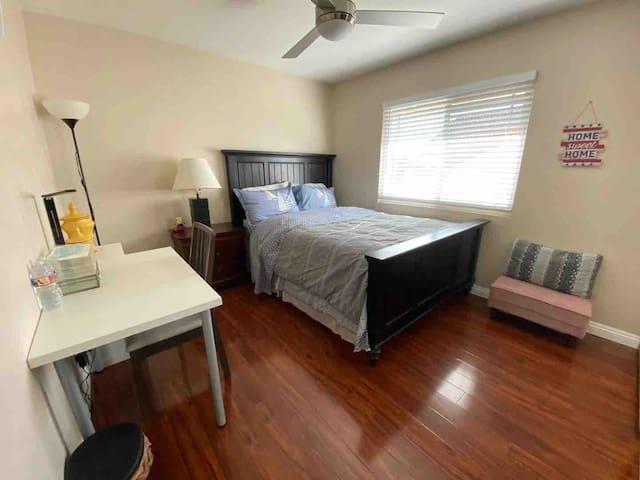 The best room in Irvine (尔湾最温馨房间)