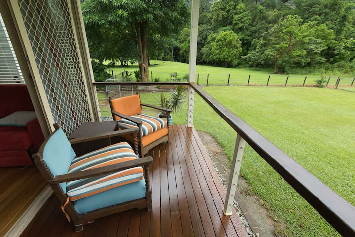 CAIRNS  REDLYNCH Pet Friendly sleep 6 by request
