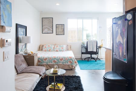 Modern Studio in the Heart of Isla Vista - Isla Vista - Wohnung