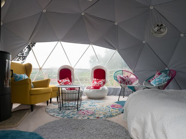 Eco dome in rural lake-side location