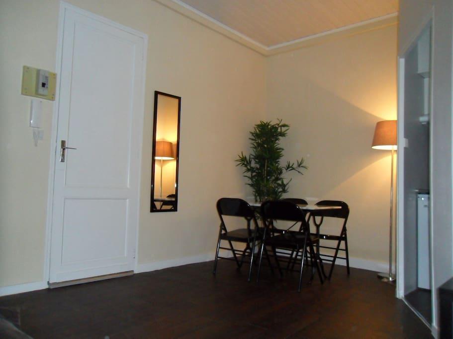 Studio pitchoun bordeaux saint michel appartements for Appartement bordeaux st michel
