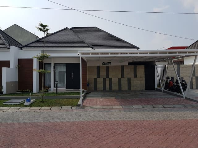 Audy's House Jl. Godean Km.7