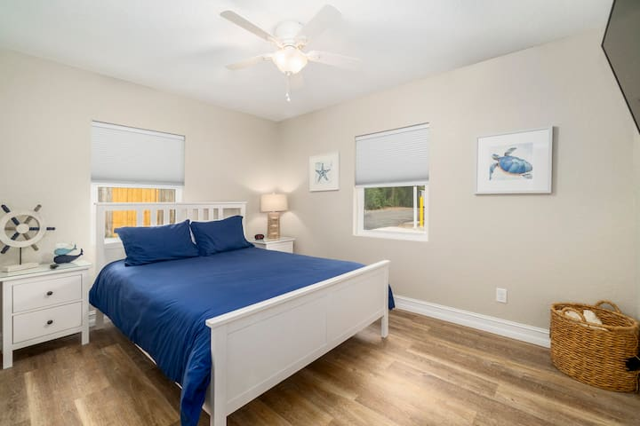 Bedroom 1 w/flat screen television