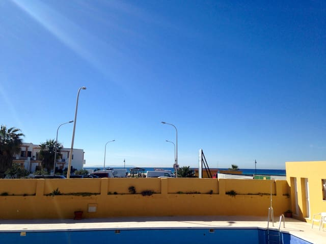 Private room in first line sea view apartment! - Tarifa - Appartement