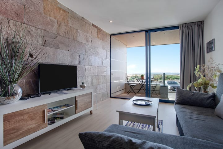 "Luxurious Holiday Apartment ""Apartamento El Bañadero"" with Sea View, Terrace & Balcony"
