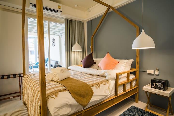 Loft Comfy Stay near Uni for friends & family