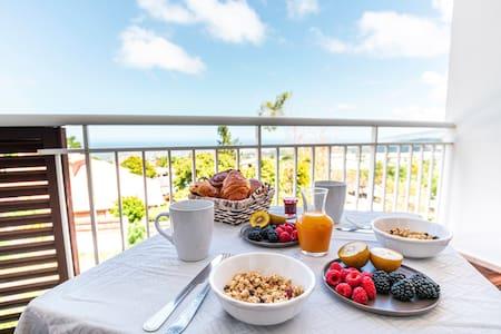 Appartement avec vue panoramique Mer & Montagne