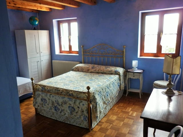 Cloud Room - House in the Wood Vicenza B&B