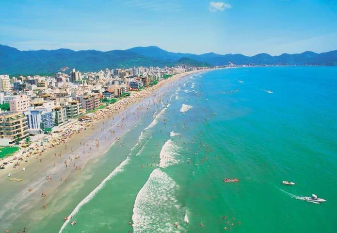Meia Praia itapema  quadra do mar - Itapema