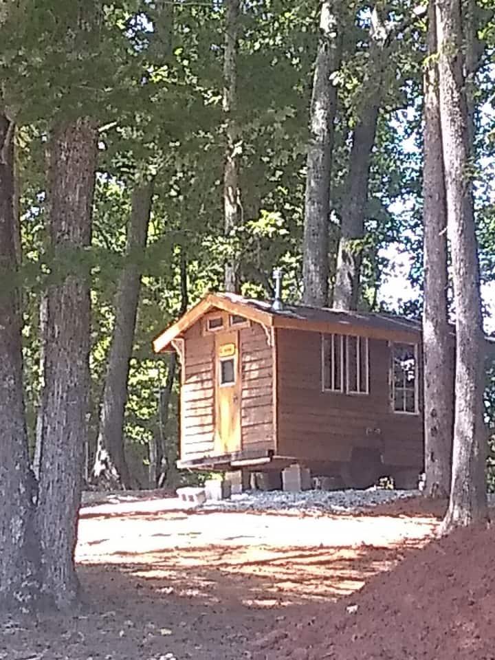 """Nomad"" tiny home on 11 acre park-like farm"