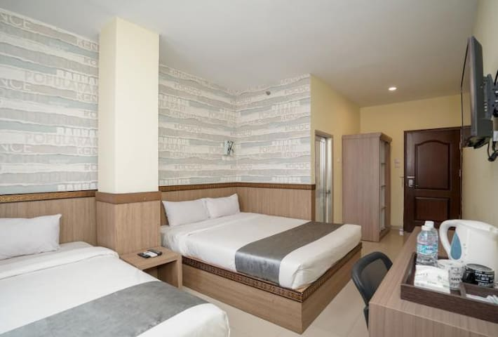 Best Skip Hotel Ilir Timur - AFFORDABLE