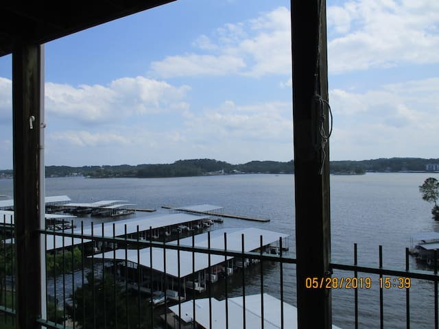 SPACIOUS Waterfront with fantastic view