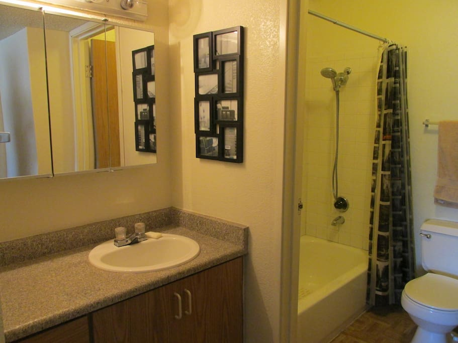 Clean private bathroom. Shampoo, soap and towels provided.