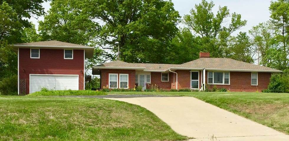 Charming Home on 5 acres, 5 min from Downtown - Columbia - Ev