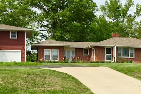 Charming Home on 5 acres, 5 min from Downtown - Columbia - 独立屋