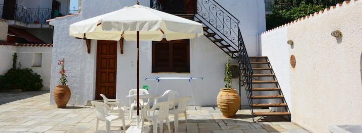 Παραδοσιακός ξενώνας|10 μέτρα από τη θάλασσα