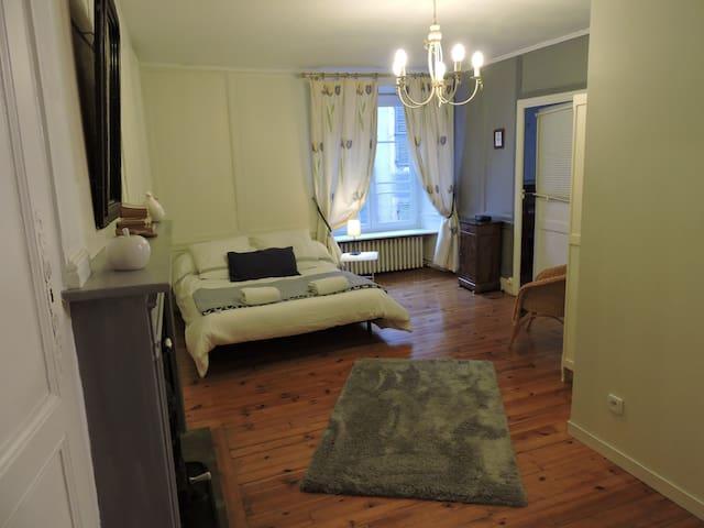 Maison de charme au cœur de Murat - Murat - Casa