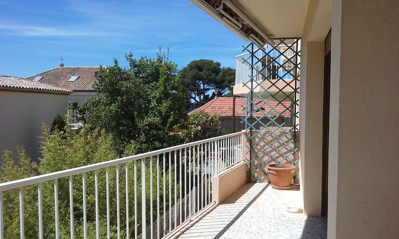 Terrasse calme, 2 min plage Renecros, centre ville - Bandol - Appartement