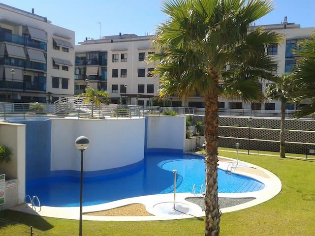 Apartamento con piscina casi nuevo - Santa Pola - Apartament