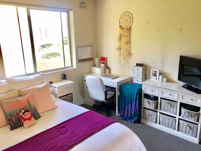 Private room Dee why Beach
