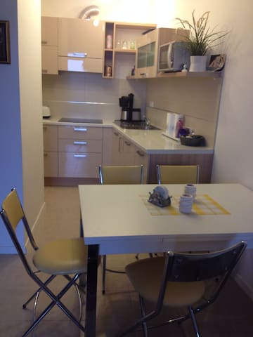 Center, Meer/sea 300m, parking, alles neu/all new - Umag - Apartamento