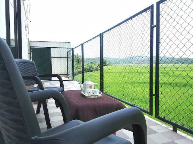 Aadrika Executive Plus Ac paddy field inn