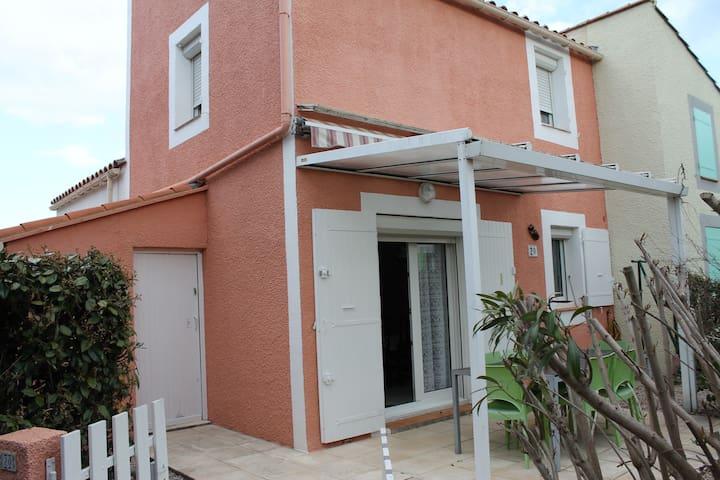 Villa 7 km Argelès sur mer piscine court de tennis