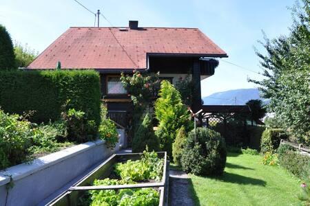 Urlaub im Haus in den Bergen - House