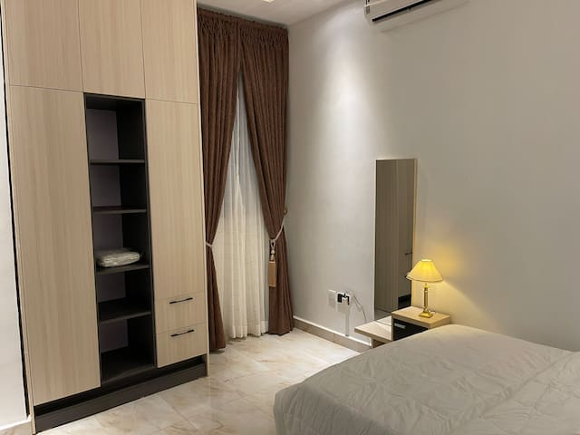 Guest room [room 1]