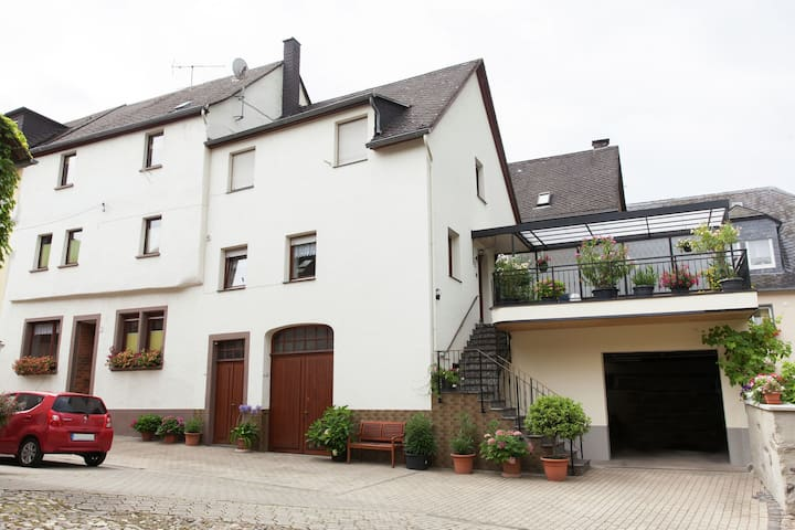 Spacious property (60 m) in the middle of a small village.