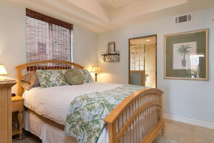 Luxury 1 Bedroom Unit - 1 Block from Ventura Beach