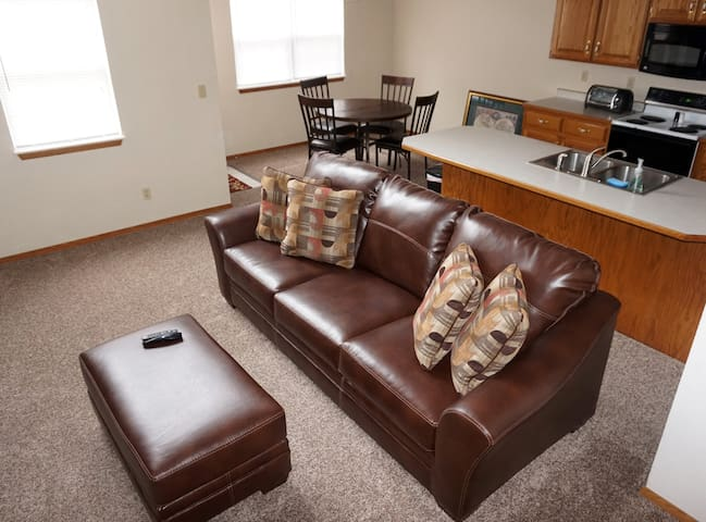 Bella Executive Duplex - Joplin - Apartment