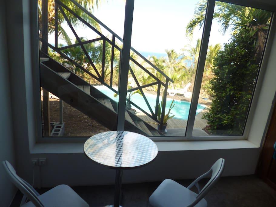 Studio rez de jardin face piscine maisons louer for Jardin louer 78