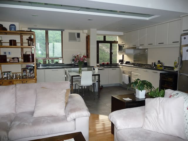 Cosy apartment in Discovery Bay HK